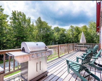 Views-Privacy-Jacuzzi-Modern Home - Clay Tennis Court -1/4 Mile from Mt. Snow - West Dover
