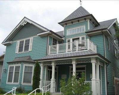 UPSTAIRS ON VINE - 2 blocks from the center of town!! - Paso Robles