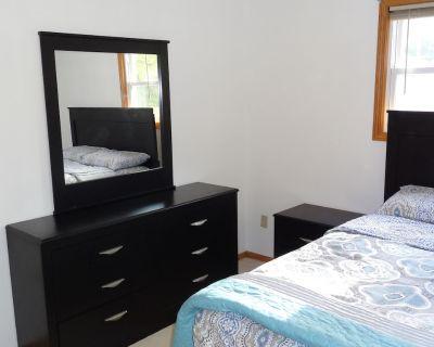Spacious private home / upper unit - Milwaukee