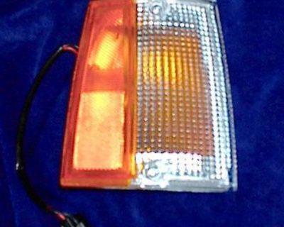 R Park Lamp Corner Light 86-93 Mazda Pickup B2600 B2200