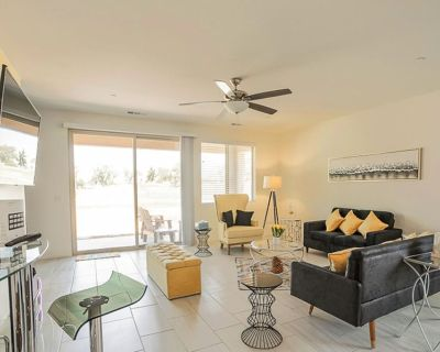 New Luxury on Golf Course Communal Pool, Tennis, Pickleball walking to Festivals - Indio