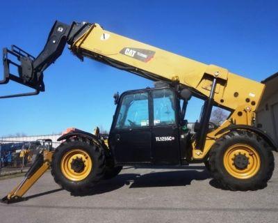 2015 CATERPILLAR TL1055 Forklifts - Telehandler