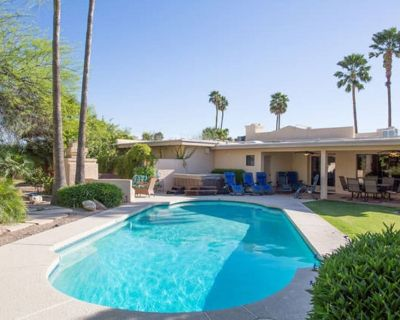 JACUZZI & PRIVATE HEATED POOL- Entertainers Paradise In The Heart Of Scottsdale - Sunrise Shadows