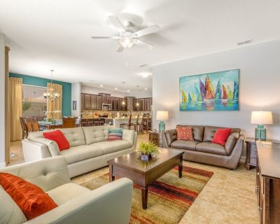 New Listing!!! Comfy Cove Getaway! Private Pool...and 5 mins away from Disney - Four Corners