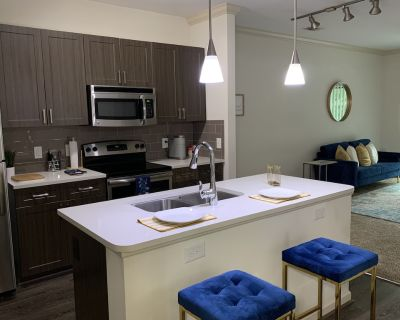 Sophisticated 1BR 1B Blue Room Retreat with Private Balcony - DeKalb County