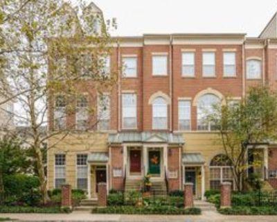 1948 Crescent Park Dr, Reston, VA 20190 3 Bedroom Condo
