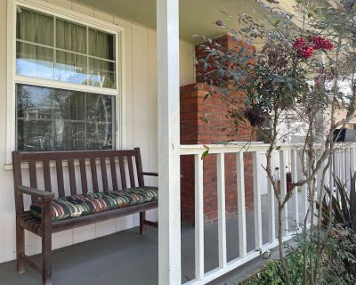 Beach Cottage in South Redondo in the popular Riviera Village - South Redondo