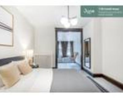 226 Private Queen Room in Woodley Park 5-bed / 2.0-bath apartment