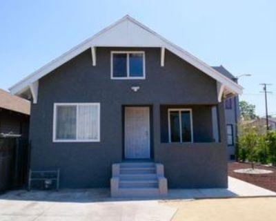 736 W 45th St, Los Angeles, CA 90037 2 Bedroom Apartment
