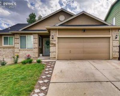 4275 Vesper Ct, Colorado Springs, CO 80916 5 Bedroom Apartment
