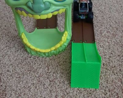Zombie monster truck toy