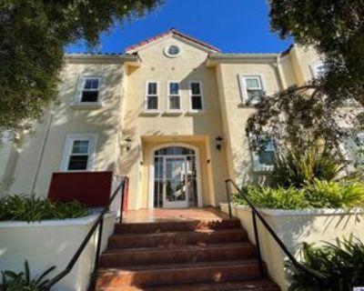 300 E Providencia Ave #111, Burbank, CA 91502 1 Bedroom Condo