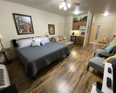 Newly renovated condo located 1 mile from Silver Dollar City. - Branson West