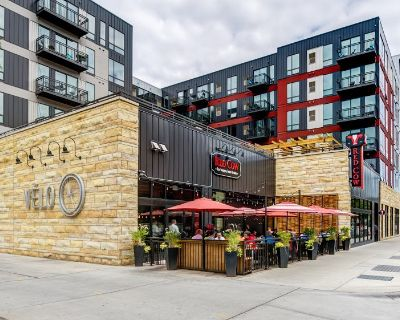 V lo Retail Space for Lease