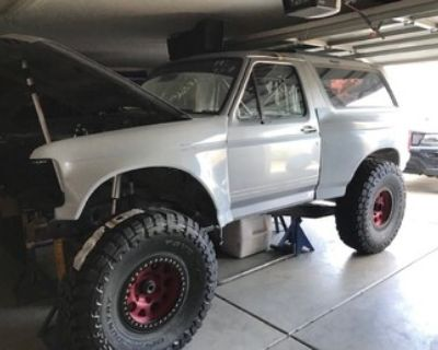 1994 FORD BRONCO CAB AND CHASSIS