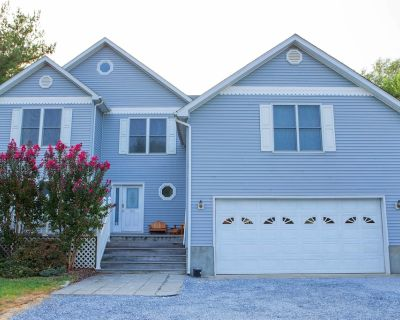 Luxury Home in Bethany Beach, Golf, Tennis, Billiard, Ping-Pong, Swimming Pools - Bethany Beach