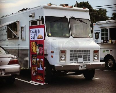 Very Reliable 2000 Workhorse 18' Diesel Step Van Kitchen Food Truck