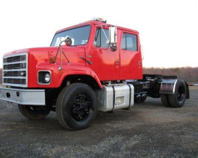 Antique 1987 International Crew Cab Semi Truck Tractor