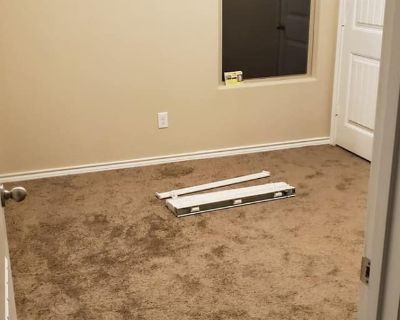 Private room with shared bathroom - Fort Worth , TX 76179
