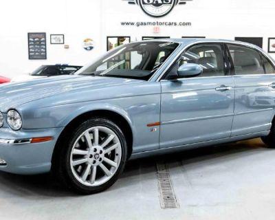 2004 Jaguar XJ R