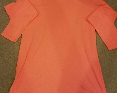 Long Sleeved T-Shirt - Size M 8/10