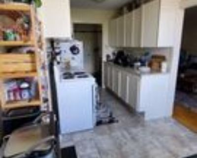 1130 Meadowlands Drive East, Ottawa, ON K2E 6H9 1 Bedroom Apartment