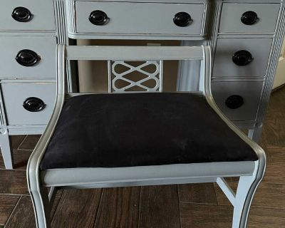Distressed Gray Vanity/Home Office Desk w/ Matching Chair and Mirror