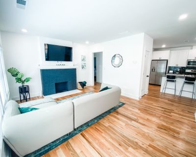 All New! King Bed Sanitized 3 Miles to Downtown! - West End