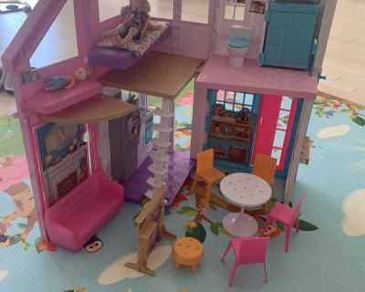 Barbie Malibu House play set