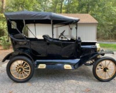 1915 Ford Model T Touring