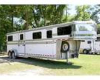 2007 Hawk 4 Horse Head to Head Trailer Gooseneck 4 horses