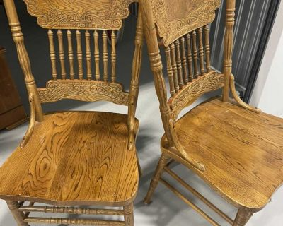 Pressed back dining room chairs (5)