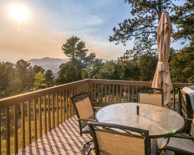 5-Bedroom Mountain Retreat w/ Chef s Kitchen, 5 Outdoor Patios & Epic Mountain Views, Golden, CO