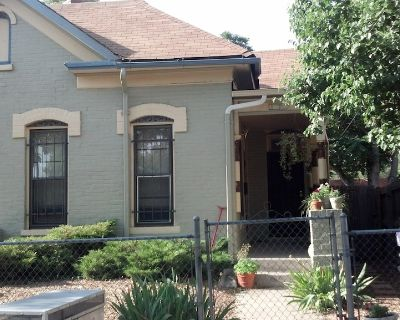 Cozy Home In Santa Fe Arts District & It's 10 Mins. From LoDo(Pet Friendly Too!) - Lincoln Park
