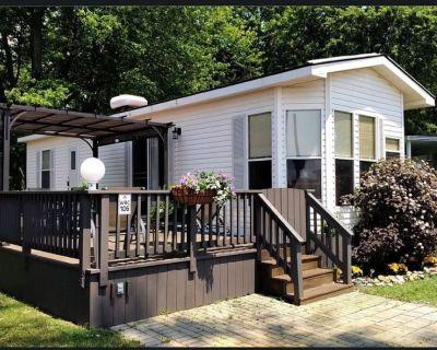 Sherkston Shore Wyldewood Resort Cottage/Trailer for Rent - Sherkston