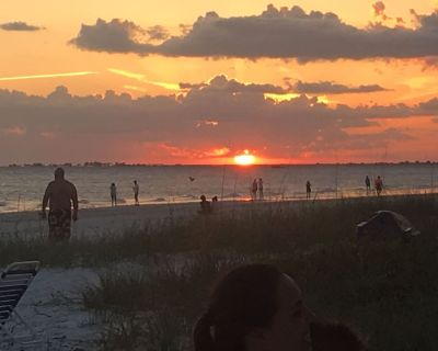 Ft. Myers Beach Timeshare right on the beach!! 4/25-5/2 2020 - Fort Myers Beach