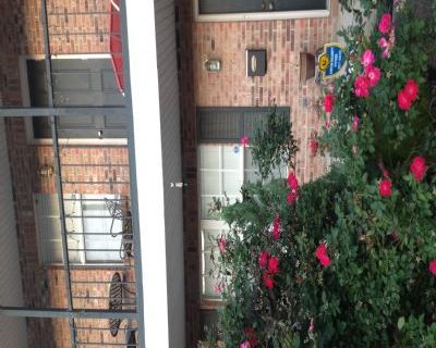 $1000 2 townhouse in East Baton Rouge