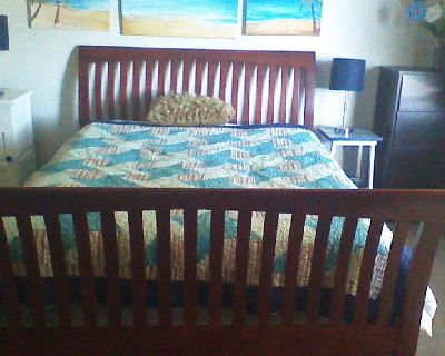 Queen bed size wooden sleigh bed frame