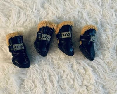 Doggie shoes / dog shoes / dog boots