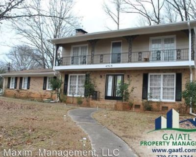 4525 North Peachtree Road