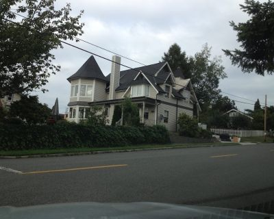 Beautiful victorian house, walk to shopping & historic district, & so much more - Snohomish
