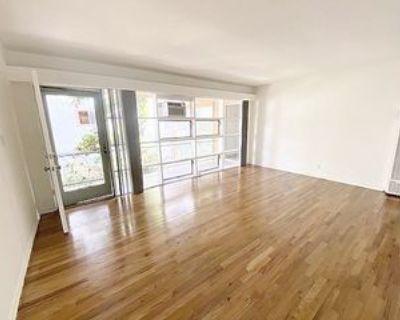 215 North Kenmore Avenue #F, Los Angeles, CA 90004 Studio Apartment