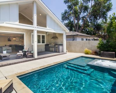 Stunning Modern PRIVATE villa W/pool &spa 4 bedroom - Valley Glen