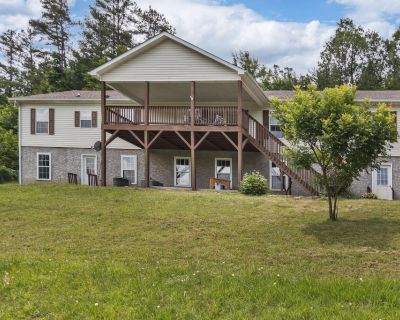 Brand NEW to Vrbo~comfortable Home in Weaverville, Nc~gas Grill~family Fun - Flat Creek