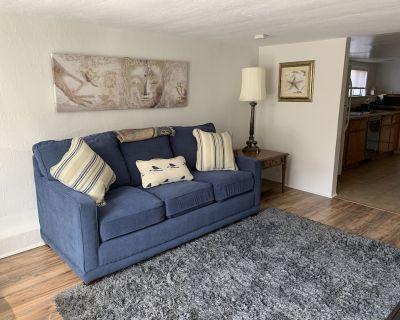 Spacious 1 bed/1bath ground floor apt in duplex - West Alameda