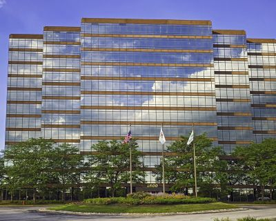 Office all inclusive at 1600 Golf Road, Corporate Center