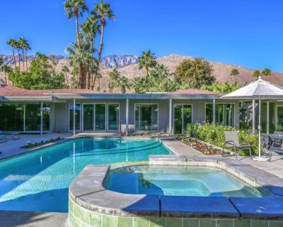 Stunning, Dog-Friendly Home w/ Free WiFi, Central A/C, Private Pool, & Pool Spa - Deepwell Estates