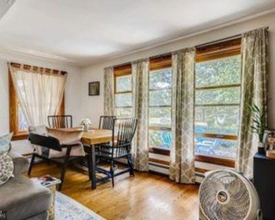 1642 E Shore Dr, St. Paul, MN 55106 2 Bedroom Apartment