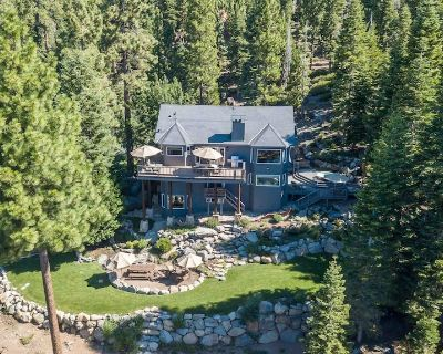 Stunning Lakeview Home with Hot Tub, Bocce, Pool Table & Playground - Brockway