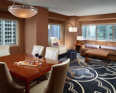 2-Bedroom Suite at Omni Chicago Hotel by Suiteness - River North